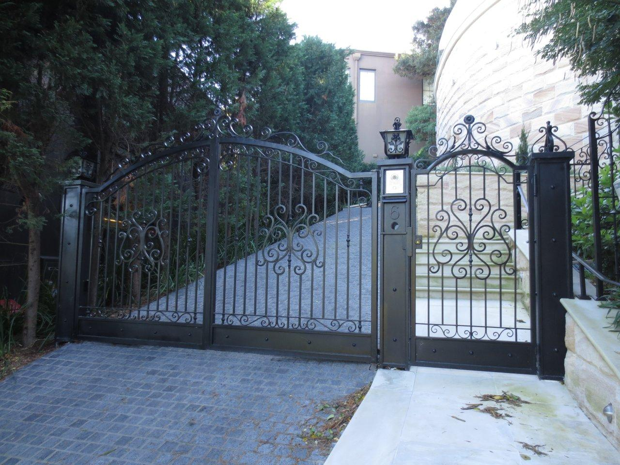 Gates euro iron for Aluminum gates for driveways